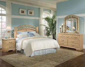4 piece Queen bedroom set for Sale in Milledgeville, GA