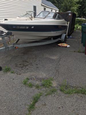 95 bayliner Capri 1750 boat for Sale in Lowell, MA