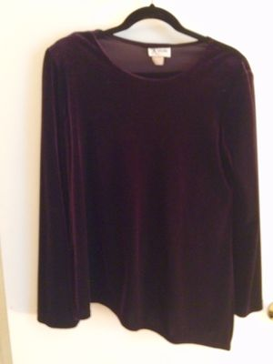 Black Set of skirt and blouse size 8 for Sale in Herndon, VA