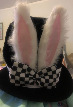Cute bunny hat .. unisex for Sale in Colma, CA