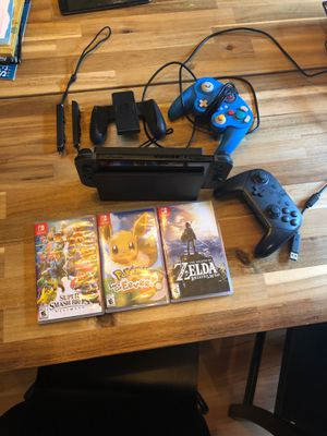 Switch bundle. Like new. Less then 100 hours gameplay. Only time off dock was when fully charged. for Sale in Portland, OR