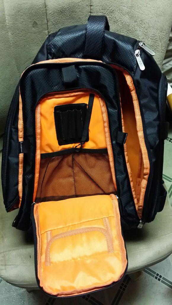 Monoprice DSLR Camera/15.6 inch Laptop Backpack