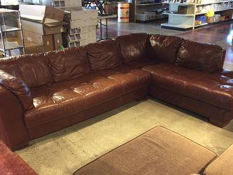 "Divani ""Chateau d'Ax"" Italian Leather Sectional for Sale in Auburn,  WA"