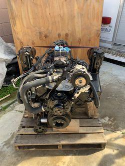 BOAT ENGINE V8 5.7 NEW for Sale in Burbank,  CA