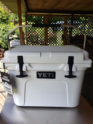 "Yeti Roadie 20 Cooler in White ""New"" for Sale in Industry, PA"