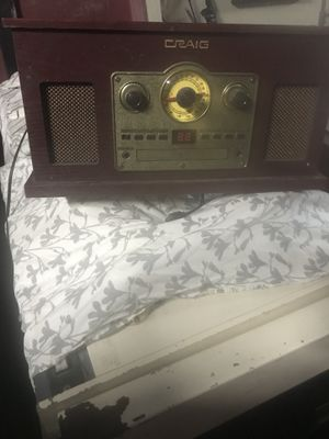 Cd and record player . for Sale in Las Vegas, NV