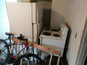 Refrigerator and electric stove. for Sale in Pittsburgh, PA