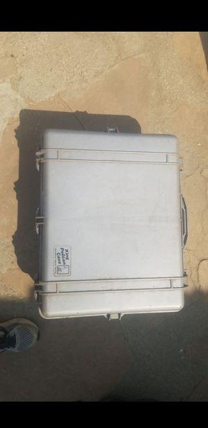 KING PELICAN dry storage box for Sale in Montebello, CA