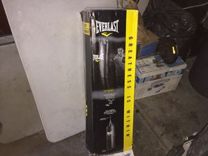 Everlast punching bag (New) for Sale in Los Angeles, CA