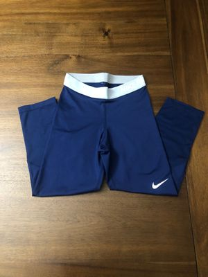 Nike Dri-Fit Capri Leggings Size:XS for Sale in Hayward, CA