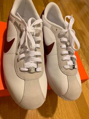 RETRO NIKE CORTEZ 316418-109 RED AND WHITE SHOES SIZE 10 for Sale in Bergenfield, NJ