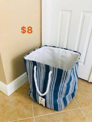 Folding laundry basket for Sale in Bonita Springs, FL