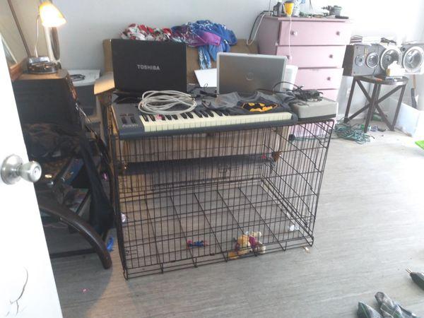 Full-size indoor dog kennel