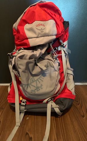 Osprey Ace 48 backpack - Youth w/ Rain Cover for Sale in Saint Petersburg, FL