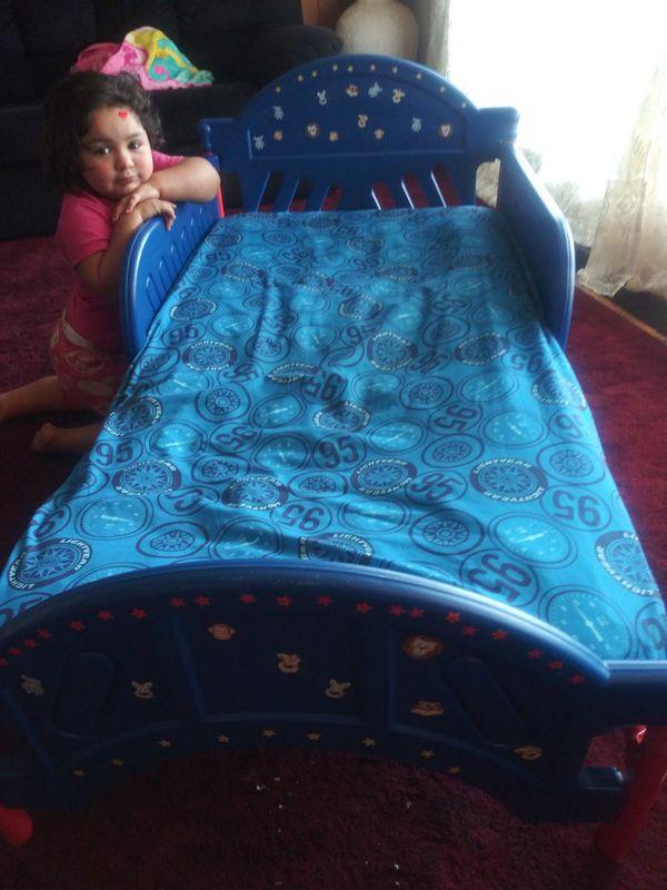 Lil. Toddler bed I'm asking $30