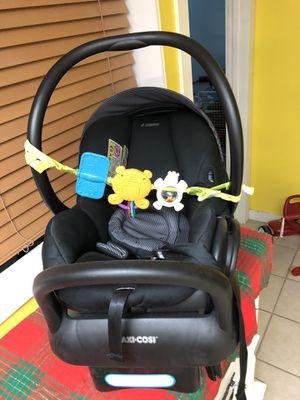 Baby car seat- asiento de bebé for Sale in Columbus, GA