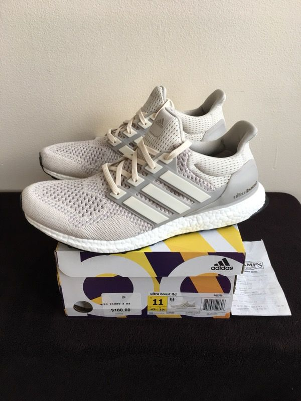 5e822e456 Adidas Ultra Boost Yeezy Chalk Cream Off White NEW DS Size 11 for Sale in  Chicago, IL - OfferUp