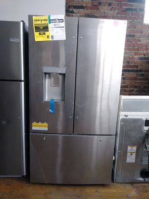 Whirlpool brand new scratch and dent stainless steel French door refrigerator for Sale in Cleveland, OH