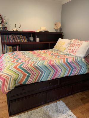 Full size trundle bed with storage (mattress not included) for Sale in Somis, CA