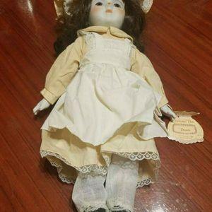 "Vintage Nostalgic Ceramic Doll ""Danielle"" for Sale in Chicago, IL"