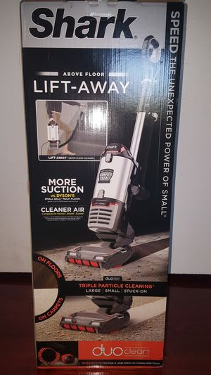 Shark Lift Away Duo Vacuum for Sale in Silver Spring, MD