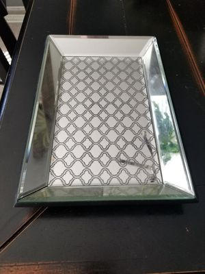 GLASS DESIGN RECTANGLE HOME DECOR DISH for Sale in Snohomish, WA