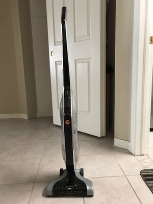 Hoover cordless vacuum for Sale in Littleton, CO