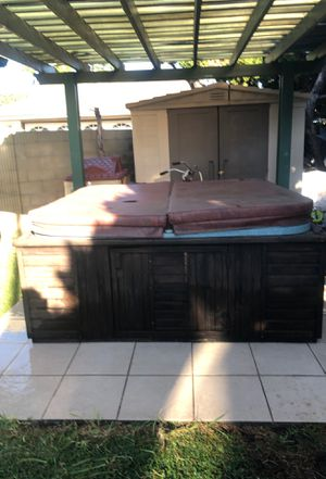 Free hot tub / jacuzzi for Sale in Anaheim, CA