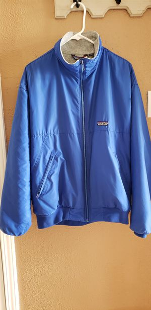 PATAGONIA JACKET SIZE LARGE for Sale in San Leandro, CA