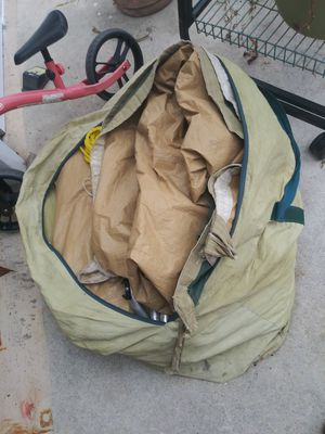 Tent missing pcs don't no anything for Sale in Lake Worth, FL