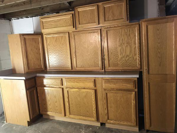 Brown kitchen cabinet for Sale in Detroit, MI - OfferUp