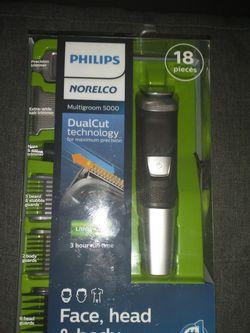 Philips 18pc Multigroom 5000 Face Head& Body for Sale in Phoenix,  AZ