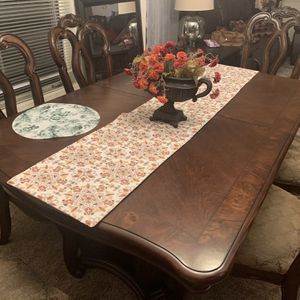 Dining Table Weingberger By Astoria Grand for Sale in San Diego, CA
