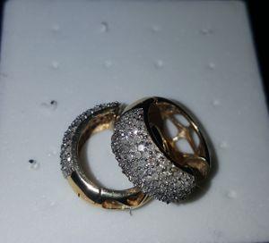 Earring 14 k gold whit real diamond for Sale in Las Vegas, NV