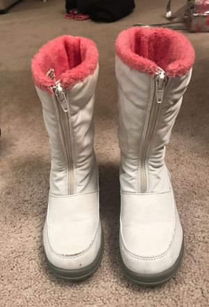 Girls snow boots for Sale in Sterling Heights, MI