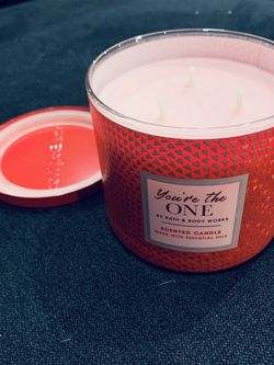 Bath & Body Works 3- Wick Candle for Sale in Walnut,  CA