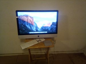 Great buy Apple imac core i5 desktop,with wireless mouse,and keyboard for Sale in Oakland, CA