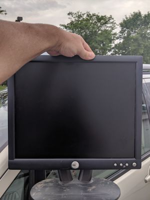 """Dell flat screen monitor 17"""" for Sale in West Des Moines, IA"""