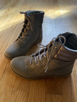 Big girls boots size 4 youth for Sale in East Haven, CT