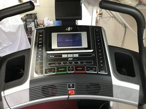 NordicTrack x9i Interactive Inc Trnr Treadmill for Sale in North Massapequa, NY