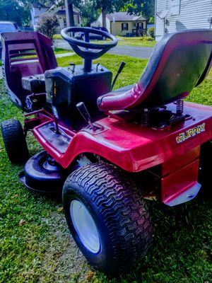 Murray 40inch Riding lawn mower for Sale in Olivette, MO
