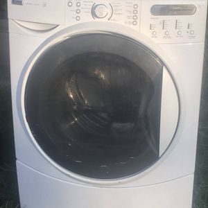 Kenmore Front Load Washer for Sale in Riverside, CA