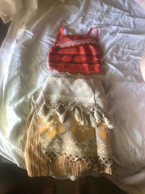 Moana Costume 3T for Sale in Bakersfield, CA