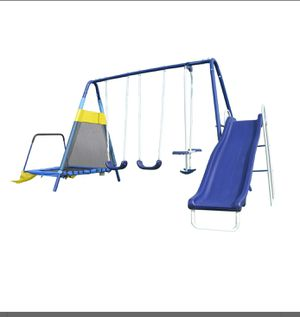 Almansor Trampoline/Slide and Swing Set ( in box) needs to be assembled for Sale in Dinuba, CA