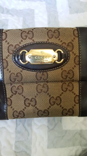 authentic Gucci wallet for Sale in MIDDLEBRG HTS, OH