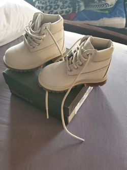 Timberland 7c never been worn $ 45.00 for Sale in Chicago,  IL