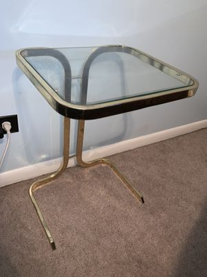 Small glass end table nightstand for Sale in Palos Heights, IL