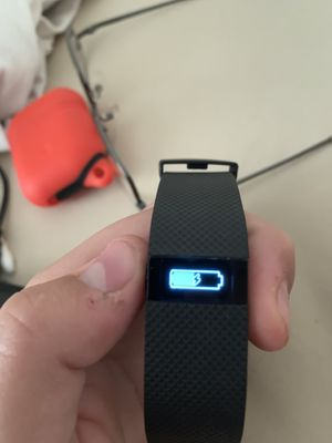 Fitbit charge HR for Sale in Tucson, AZ