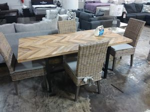 DINING TABLE AND FOUR CHAIRS for Sale in Plano, TX