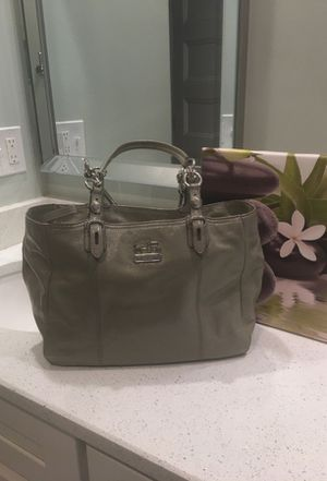 Authentic gray patent leather coach with silver chain links for Sale in Brockton, MA